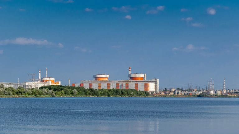 ukraine-to-set-up-a-crypto-mining-large-scale-data-center-in-a-nuclear-power-plant-768x432-1